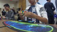 15-летний американец побил мировой рекорд сборки кубика